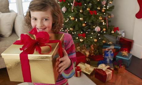 Kind-mit-Weihnachten-pres-001