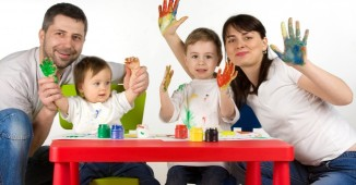 Happy-Children_Parents_Family