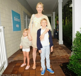 Kelly Rutherford Children