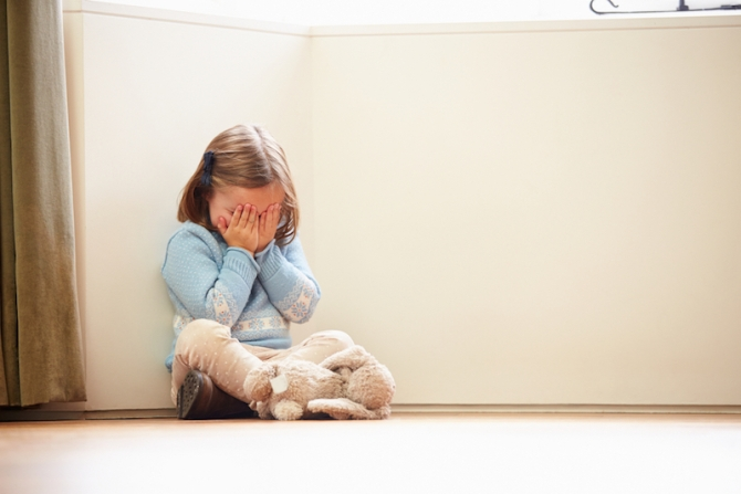 girl-sad-150428