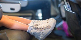 airplane-girl-shoes
