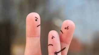 communicate-parents-divorced-family-during-quarrel-concept_d9abb638-b326-11e7-8b25-96a837358dfc